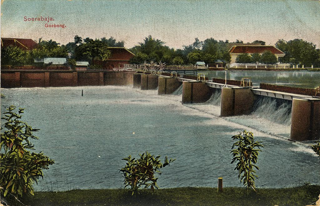 Picture postcard of the sluice/locks of Gubeng, Surabaya, Indonesia